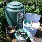 Estela: En mi casa reciclamos plástico, vidrio, papel, y tenemos una compostadora de Cogersa para los residuos orgánicos.