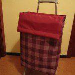 IsabelR: En casa tenemos un carrito, pero cuando hay que comprar poca cosa, tenemos una colección de bolsas reutilizables.