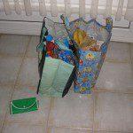 Francisco: En casa no tenemos carro, pero desde hace tiempo utilizamos bolsas reutilizables para hacer la compra. Además, siempre llevamos en el bolso de mano y en el coche una bolsa reutilizable plegable por si surge alguna pequeña compra inesperada.